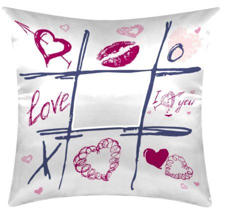 Cuscino personalizzato a tema tris: AMORE - LOVE