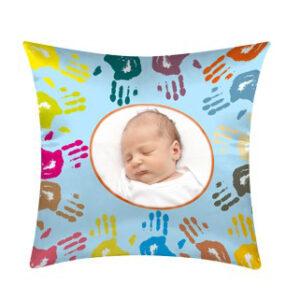 cuscino con grafica mani personalizzato per bambini